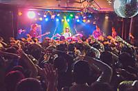 大阪最後のワンマンライブ カラスは真っ白 『2017年冬のワンマンツアー』@アメリカ村DROP レポート