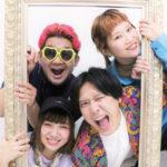 大阪発!愛とハッピーに溢れたライブバンド【スムージチークス】 目で見ても楽しめるエンターテイメントバンド!