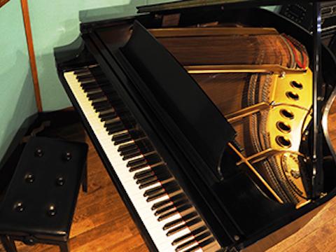 ピアノ練習からコンクール予備審査応募用DVD、CD制作・弾き語りアーティスト、CD音源制作可能なピアノレコーディングスタジオ