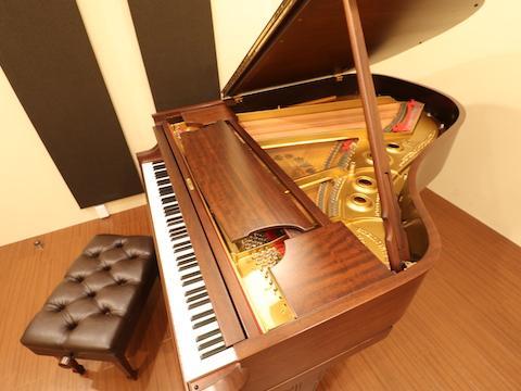 神戸でスタインウェイを演奏するなら…..【ピアノスタジオ/ベースオントップ神戸元町店】