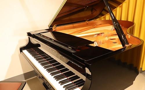 【ピアノ練習室】1名様・2名様・3名様以上でも使いやすい。ピアノスタジオ ベースオントップ天王寺店